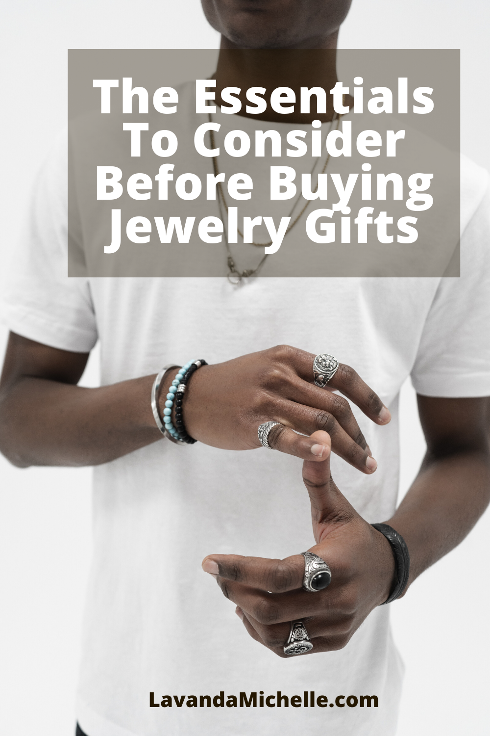 The Essentials To Consider Before Buying Jewelry Gifts (1)